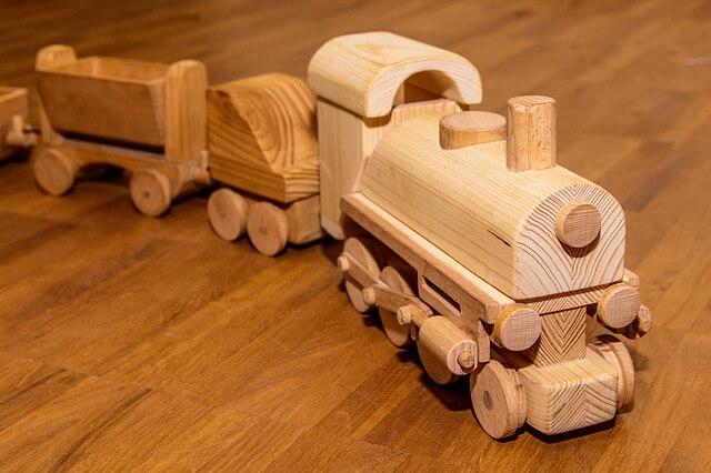 drewniane zabawki - kolejka