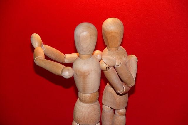 drewniane zabawki lalki